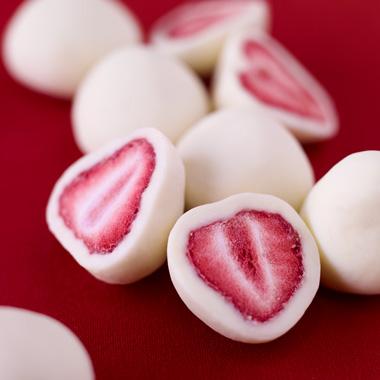 甘酸っぱい苺にホワイトチョコレート